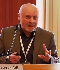 Hans-Jürgen Arlt forscht für die Otto-Brenner-Stiftung Foto: Jan Timo Schaube