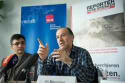 Reza Moini, Iran-Referent bei ROG und Ali Mazrooei (r.), Vorsitzender der inzwischen verbotenen iranischen Journalistengewerkschaft. Foto: Christian Ditsch / version-foto.de