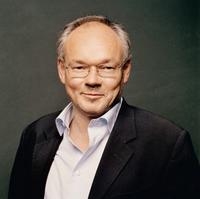 """Lutz Hachmeister (53) ist Leiter des Instituts für Medien- und Kommunikationspolitik (IfM, Berlin) und Autor des Buches """"Nervöse Zone: Politik und Journalismus in der Berliner Republik"""" (München 2007: DVA). Foto: Jim Rakete"""