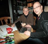 """Bernd Maus (links) und Bernhard Schlüter bei der """"Komplett""""- Redaktion. Foto: Rüdiger Kahlke"""