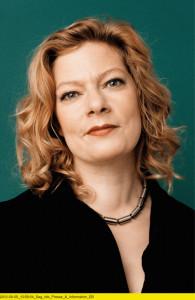"""NDM Geschäftsführerin, Konstantina Vassiliou-Enz moderiert bei Radioeins vom RBB unter anderem am Wochenende den """"Schönen Morgen"""". Foto: rbb / Jim Rakete"""
