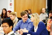 Rege Diskussionen über die Tagungsthemen... Foto: Christian von Polentz