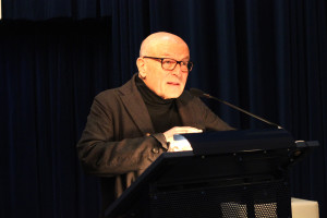 Volker Schlöndorff während seiner Eröffnungsrede; Foto: Betty Schiel