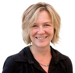 Erziehungswissenschaftlerin Claudia Mikat leitete von 1994 bis 2001 die FSF-Geschäftsstelle. Sie war Redaktionsmitglied der von der FSF herausgegebenen Fachzeitschrift tv diskurs. Seit 2001 ist sie hauptamtliche Vorsitzende der Prüfausschüsse und Leiterin der Programmprüfung bei der FSF. Foto: FSF / Sandra Hermannsen