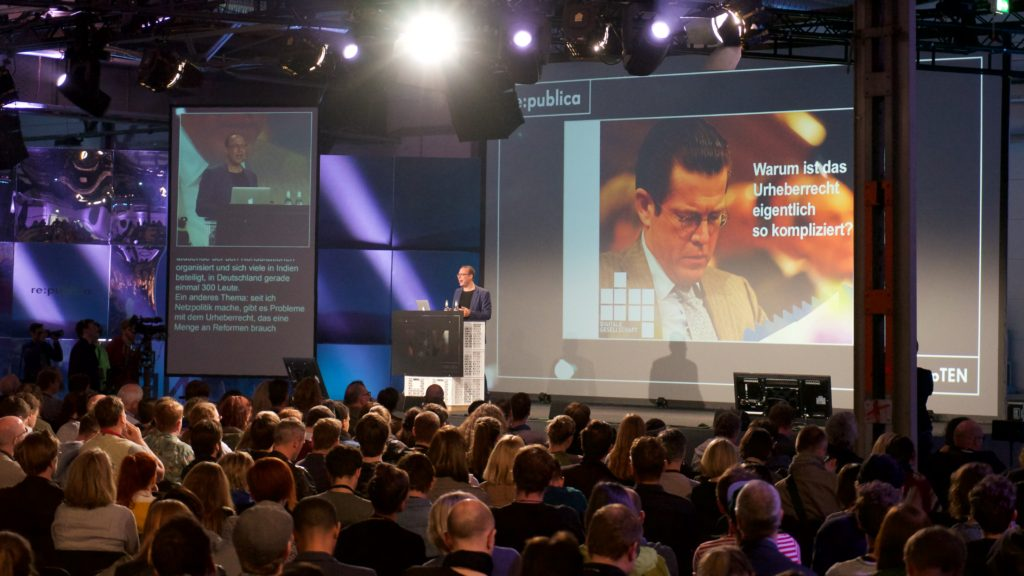 Fight for your digital rights! Markus Beckedahl auf der re:publicaFoto: Martha Richards