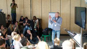 Björn Staschen leitet den Lightning Talk zu Mobile JournalismFoto: Martha Richards