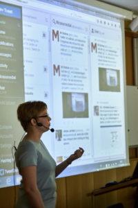 Twitter-Trainerin Christina Quast spricht über Live-Berichtserstattung und Recherche in der Twitter-Welt Foto: Hermann Haubrich