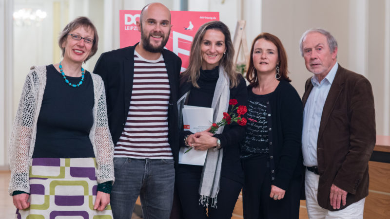 DOK Leipzig 2015: ver.di-Preisträgerin Marianna Economou mit JuryFoto: DOK Leipzig/ Jonathan Skorupa