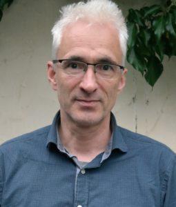 """Harald Gesterkamp arbeitet als Journalist bevorzugt zu den Themen Pressefreiheit und Menschenrechte. Er ist Redakteur beim Deutschlandfunk und hat kürzlich mit """"Humboldtstraße zwei"""" seinen ersten Roman veröffentlicht. Foto: Kava-Design/Irmtraud Hofmann"""
