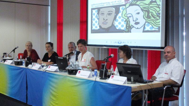 NRW-Selbstständigentag: Auf dem Podium Barbara Frien, Gundula Lasch, Frank Bethke, Kathy Ziegler, Veronika Mirschel und Johannes Maria  Schatz (v.l.n.r.)  Foto: Lars Lubienetzki