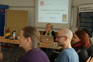 Viele wollen nicht nur Einzelkämpfer sein: ver.di bot Workshops und Vernetzung. Foto: Paulo dos Santos