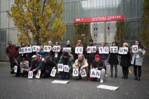 Türkische Filmschaffende fordern eine klare Ansage der deutschen Bundeskanzlerin gegen die Politik Erdogans Foto: Maiju Saari