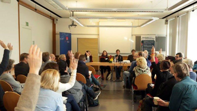 Zum AustaschTag trafen sich ver.di-Aktive und interessierte Selbstständige am 12. November im Kölner Gewerkschaftshaus. Foto: Paulo dos Santos