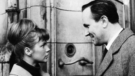 """""""Das Kaninchen bin ich"""" mit Angelika Waller und Alfred Müller (1964-65) Foto: Jörg Erkens/DEFA-Stiftung"""